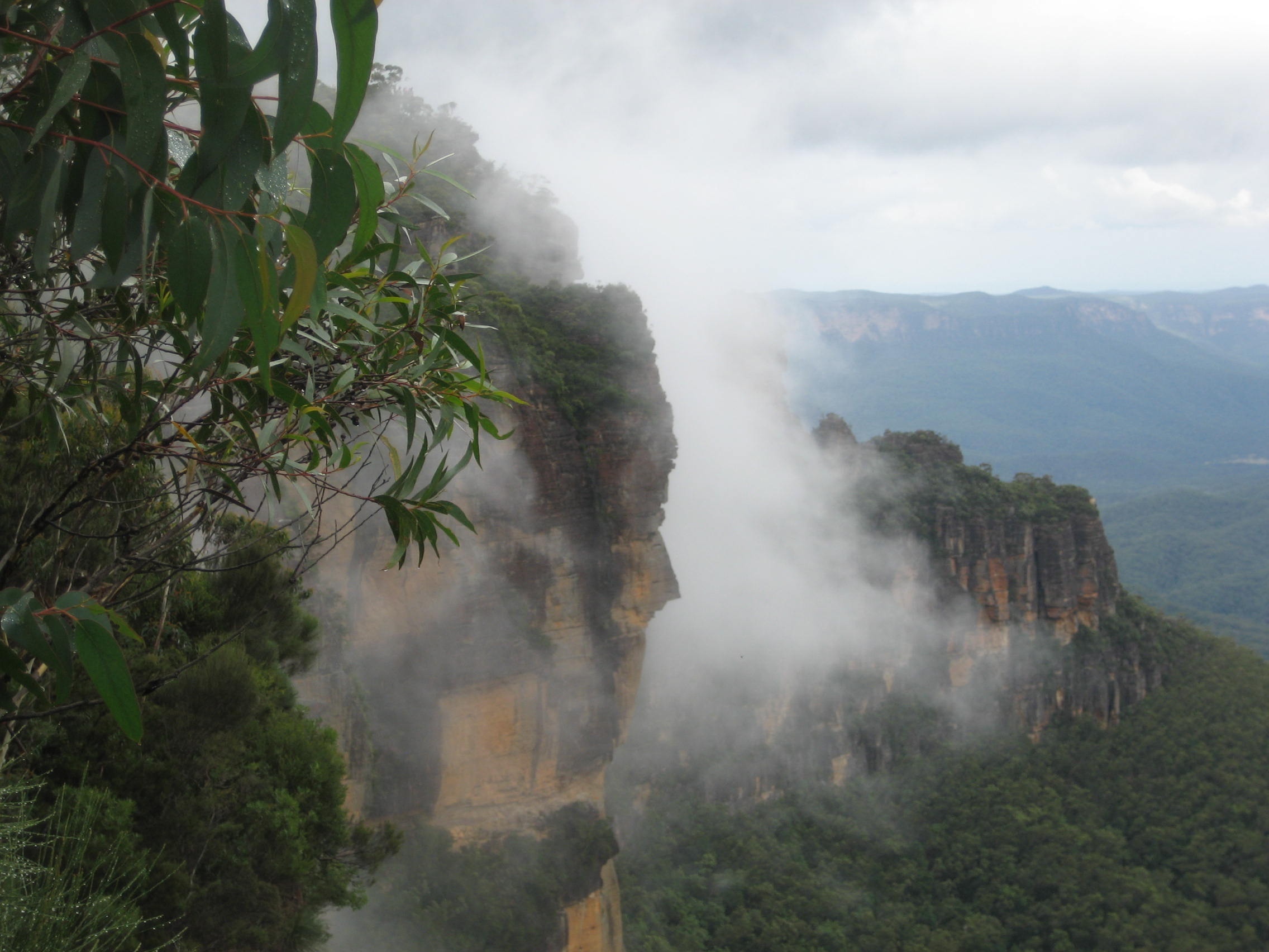 Affordable Healing Meditation Retreats in the Blue Mountains for both Beginners and Experienced.
